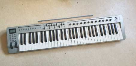 Foto: Sells Piano e synthetizer EVOLUTION - CLAVIER MAITRE MIDI 61 TOUCHES (TOUCHER SYNTHE) +